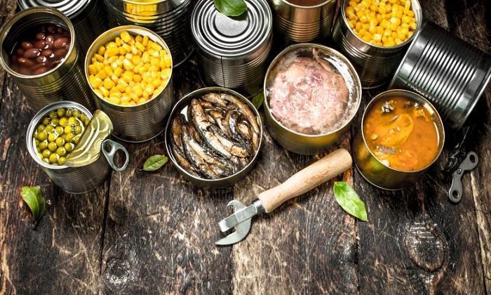 غذا های کنسروی منشاءاین بیماری است
