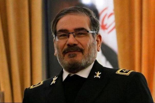 واکنش شمخانی به اتهامات پمپئو علیه ایران درباره کرونا ، آمریکا درباره نقشش در تولید کرونا توضیح دهد