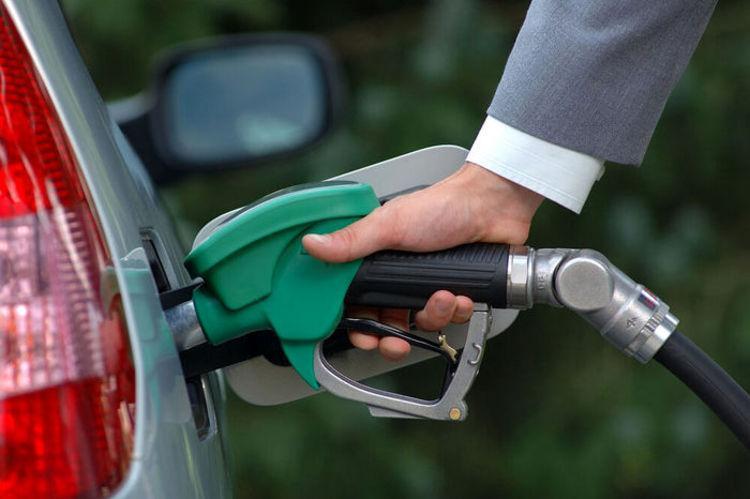 سهمیه بنزین خودرو ها امشب واریز می گردد