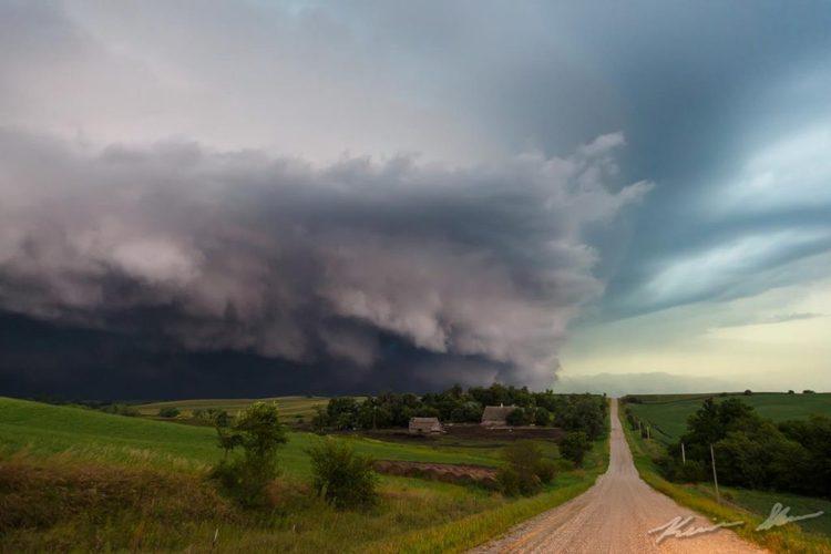 (ویدئو) تاریکی در آمریکا؛ طوفان گودزیلا به آمریکا رسید، طوفان گودزیلا؛ معجونی از خاک و فلزات سنگین