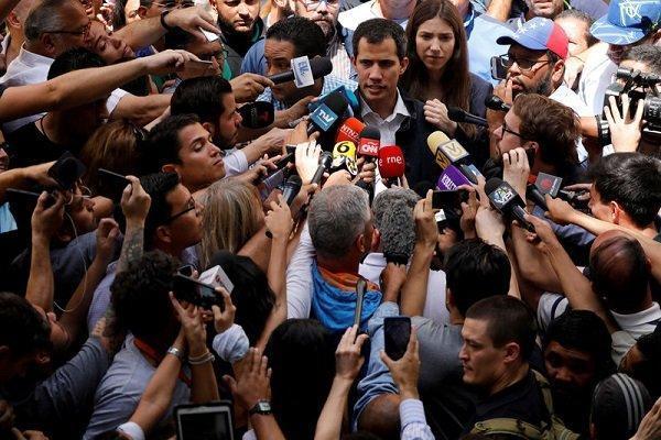 بروز شکاف در اردوگاه مخالفان نیکلاس مادورو
