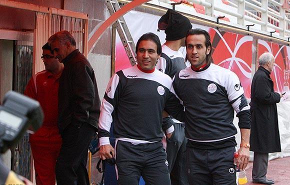 برنامه ویژه فدراسیون فوتبال برای استفاده از علی کریمی و مهدوی کیا خبرنگاران