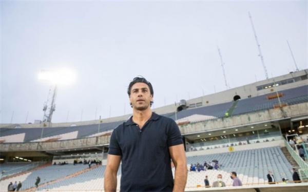 فرهاد مجیدی از دو رسانه ورزشی شکایت کرد